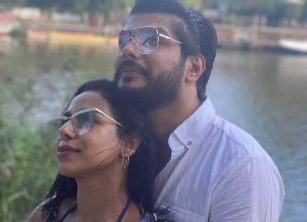 """علي يوسف يكشف تفاصيل صادمة حول زواجه من هند البلوشي ويطلقها """"بالثلاثة"""" على الهواء -بالفيديو"""