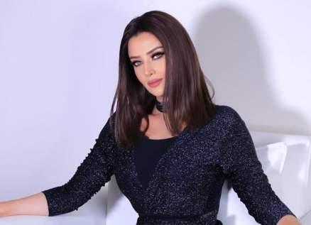 رضوى الشربيني تودّع والدتها اليوم.. ونادين نسيب نجيم ولطيفة ومحمد رشاد يعزونها
