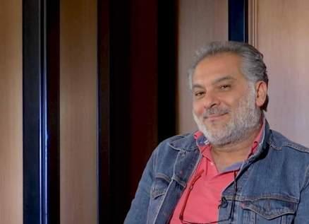حاتم علي سيوارى الثرى في الشام وتعليق مؤثر من مكسيم خليل وأمل عرفة-بالصورة