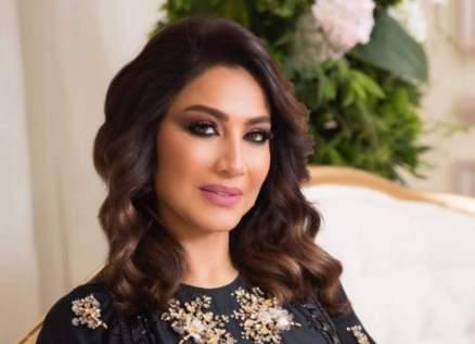 بسمة وهبة تهاجم ممثلة شهيرة وتتهمها بنقل فيروس كورونا إلى زملائها-بالفيديو