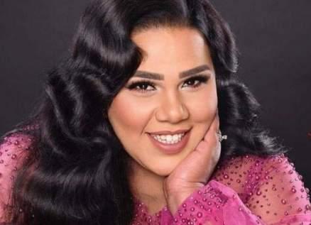 """شيماء سيف بفيديو طريف على أنغام """"أماكن السهر"""" لـ عمرو دياب"""
