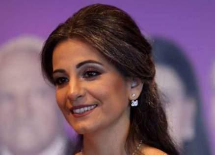 ليليان بستاني تنتصر على المرض وتُعلن خطوبتها-بالصور