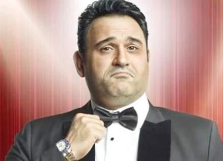 أكرم حسني: لذلك أرتاح في العمل مع أحمد فهمي...وتقصدت أن أقتحم التمثيل بعيداً عن هذه الشخصية