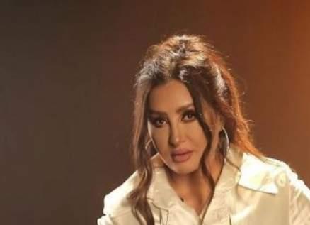 """""""ماتقربليش"""" أغنية جديدة لـ لطيفة من ألبومها """"أقوى واحدة""""-بالفيديو"""