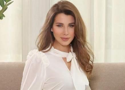 نانسي عجرم في أحد مطاعم دبي- بالفيديو