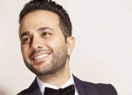 """مهند خلف يتخطى النصف مليون مشاهدة بأغنيته الجديدة """"خبر عاجل""""-بالفيديو"""