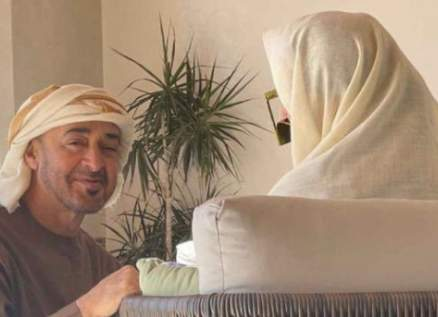 """بالفيديو - عيضة المنهالي يصدر """"أم الإمارات"""" ويهديها إلى الشيخة فاطمة بنت مبارك"""