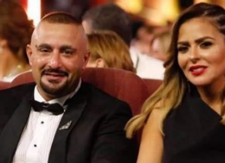 إعلامية مصرية جديدة تعلن إصابتها بفيروس كورونا وتُجبر أحمد السقا وزوجته الخضوع للحجر