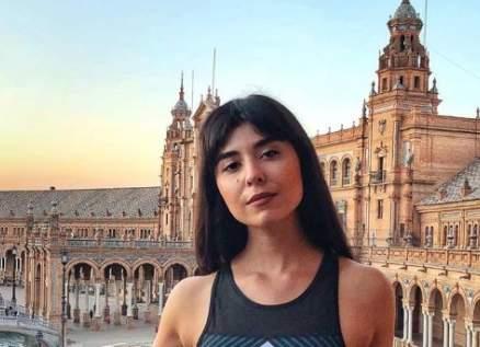 زينة مكي تصدم الجمهور بلون شعرها الجديد-بالصورة