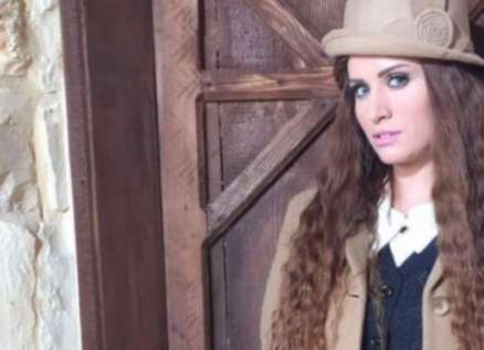 """بالفيديو- آن ماري سلامة تعايد والدتها برسالة مؤثرة: """"أنت الحجر الأساس"""""""