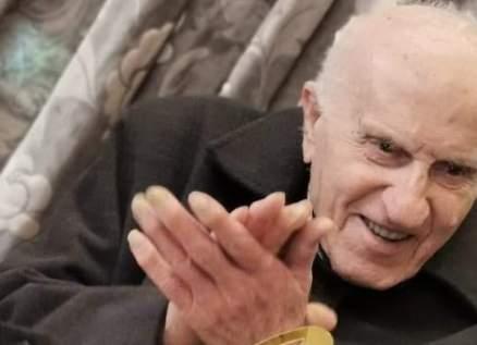 في أول يوم من السنة الجديدة..لبناني يحتفل بعيد ميلاده الـ100-بالصور