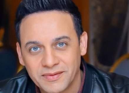 """خاص بالفيديو- مصطفى قمر يطرح """"اشتقتلك"""" باللهجة اللبنانية من """"مدرسة الحب 2"""""""