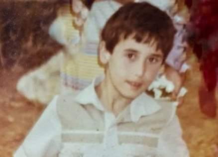 خمنوا من هو هذا الممثل اللبناني الشهير؟