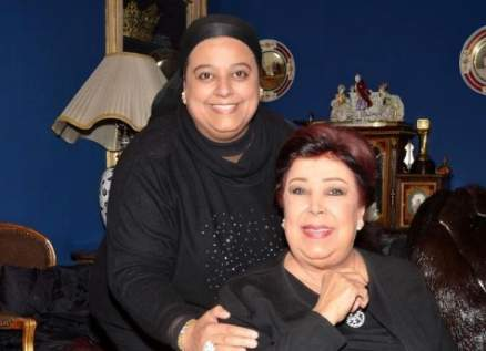 إبنة رجاء الجداوي أميرة مختار تكشف للمرة الأولى كيف أُصيبت والدتها بفيروس كورونا.. بالفيديو