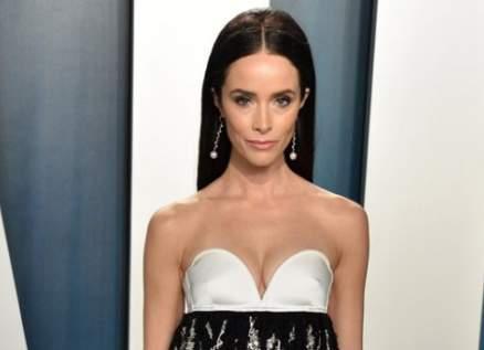 في الـ  Vanity Fair : هكذا أطلت كيلي جينر وأدريانا ليما وغيرهما من الجميلات بتوقيع أهم دور الأزياء العالمية