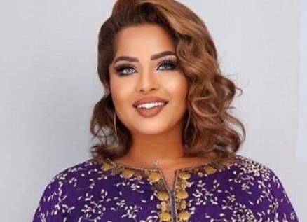 """هيا الشعيبي تؤكد على محبة السعوديين لها وتقول إنهم """"درع لها"""" - بالفيديو"""