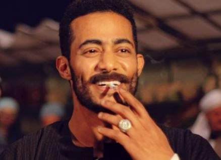 محمد رمضان يستفز متابعيه بالدولارات مرة أخرى – بالفيديو