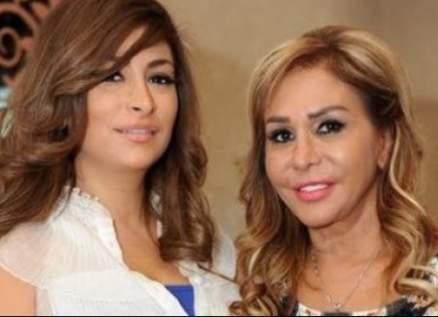 ديما بياعة ووالدتها مها المصري تقضيان الحجر المنزلي في المطبخ-بالصور