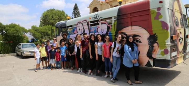 مسرح إسطنبولي يعيد بوسطة عين الرمانة فنياً في ذكرى الحرب اللبنانية