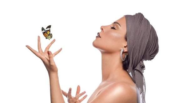 """شمس الكويتية تطرح برومو ألبومها """"شقيت ثوبي"""".. بالفيديو"""