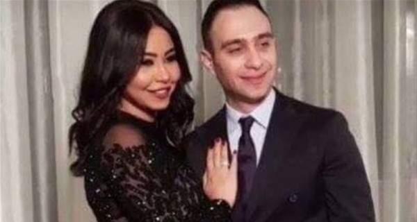 شيرين عبد الوهاب تصل الى السعودية يداً بيد مع زوجها..ومن دون مكياج – بالفيديو
