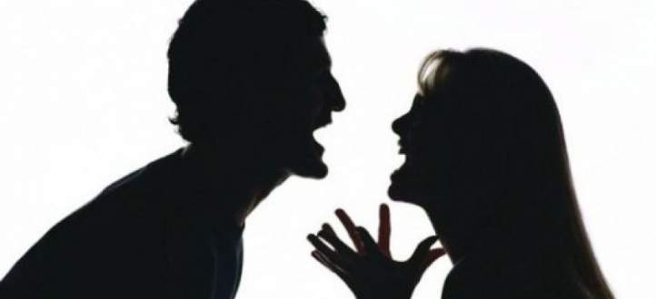 هرج ومرج بعد قيام امرأة بضرب حبيبها في الطائرة -بالفيديو
