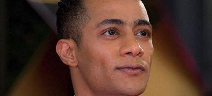 بالفيديو- محمد رمضان يتعرض للسخرية بسبب مشهد يتكرّر في مسلسلاته
