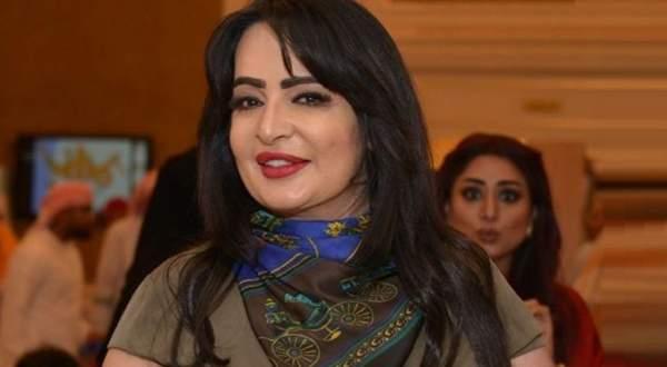 بدرية أحمد وصديقتها تثيران الجدل بتصرفاتهما المستفزة- بالفيديو