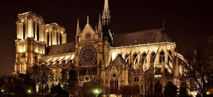 كاتدرائية نوتردام أصبحت في الذكريات.. وإنتقلت من قصة حقيقية الى قصة خيالية من قصص فيكتور هوغو