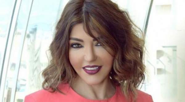 """سميرة سعيد تعيد غناء """"اللي بينا"""" في حديقة منزلها.. بالفيديو"""