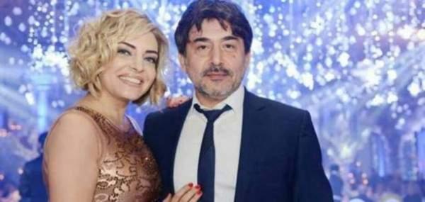 عابد فهد يصدم الجمهور بجمال صوته خلال غنائه لزوجته.. بالفيديو