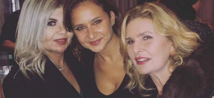 نيللي كريم تحتفل بعيد ميلادها مع أصدقائها ونجوم الفن.. بالفيديو