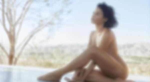 بعد طلاقها الفنانة اللبنانية الشهيرة تلجأ الى العري في أحدث جلسة تصوير- بالصور