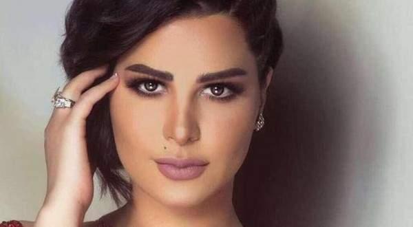 شمس الكويتية تثير الجدل بإرتدائها فستاناً قصيراً وترقص بإثارة- بالفيديو