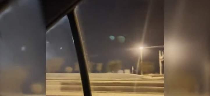 جسمان غريبان في سماء الإمارات يثيران الجدل.. بالفيديو