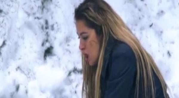 بالفيديو- ريم مصطفى تفقد القدرة على النطق وتنهال بالضرب على رامز جلال