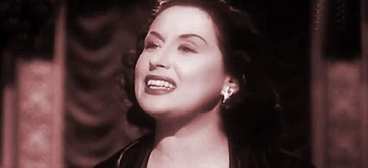 بالفيديو - منى الشاذلي تدخل منزل ليلى مراد قبل وفاتها وابن الاخيرة يعترض