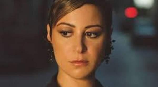 """منة شلبي عن عدم زواجها: """"مفيش حاجة اسمها فارس أحلام"""""""