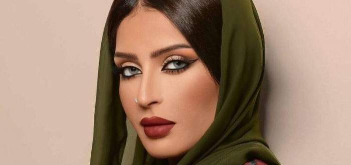 بدور إبراهيم تهاجم فوز العتيبي بطريقة غير مباشرة وترد على سخرية هند القحطاني