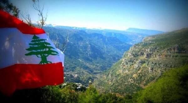 النجوم يغنون النشيد الوطني في عيد الإستقلال..بالفيديو