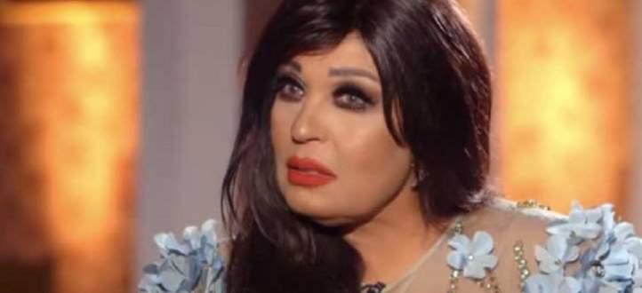 فيديو نادر.. عمرو دياب يغني ويسرا ترقص بحفل زفاف إبنة فيفي عبده