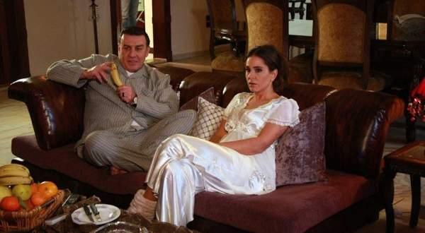 """بالفيديو- ديمة قندلفت تلاحق وائل رمضان في مسلسل """"جنان نسوان"""""""