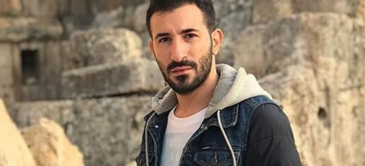 """خاص بالفيديو- علي المولى يصف عباس جعفر بالـ""""قصة الكبيرة"""" وماذا قال عن خوضه مجال الغناء أو التمثيل؟"""