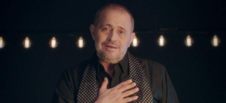 عابد فهد يقدم جورج وسوف في حفله بدبي بكلمات مؤثرة والحضور يتفاعل-بالفيديو