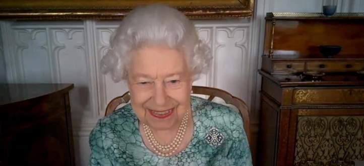 شاهدوا الظهور الأول للملكة إليزابيث بعد مقابلة الأمير هاري وميغان ماركل المثيرة للجدل