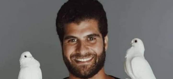 أحمد حسنين يعلق على تشبيهه بـ عمر الشريف ويكشف إن كانت بينهما صلة قرابة- بالفيديو