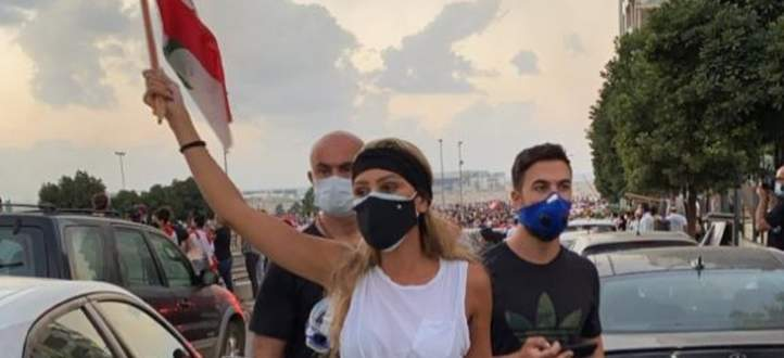 """خاص بالفيديو- مايا دياب :""""مشاركتنا بالثورة هي من أجل الضحايا وليس الشهداء"""""""