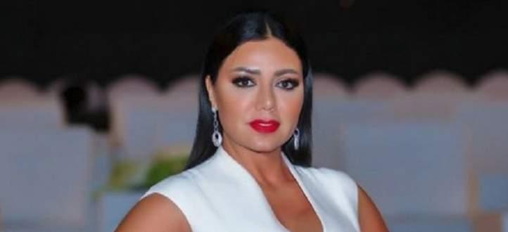 """تصريح رانيا يوسف حول تأييدها فكرة """"الحب من دون زواج"""" يتصدر من جديد"""