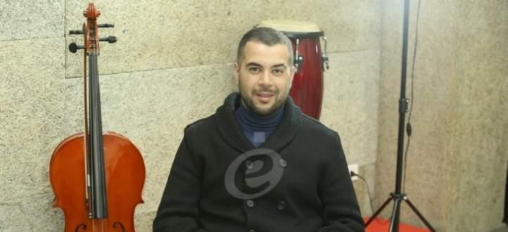 خاص وبالفيديو- محمد حسين يدافع عن زينة وهذا ما قاله عن أحمد عز