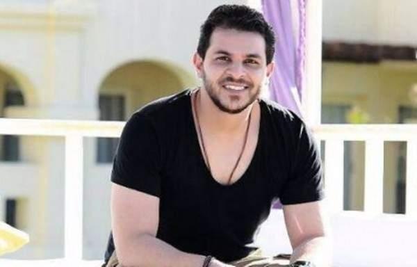 شقيقة محمد رشاد المحجبة تخطف الانظار بظهورها الاول- بالصورة